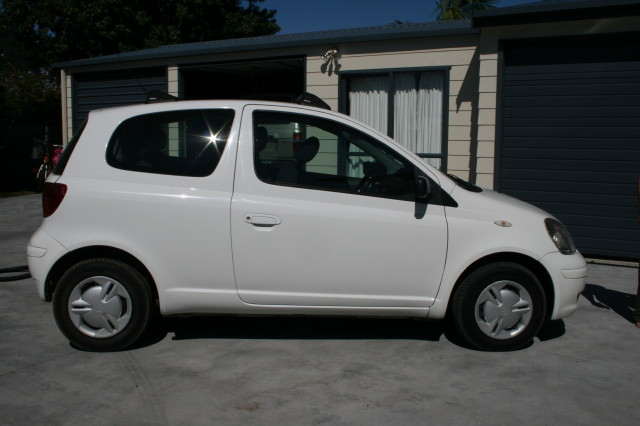 2005 Echo Car